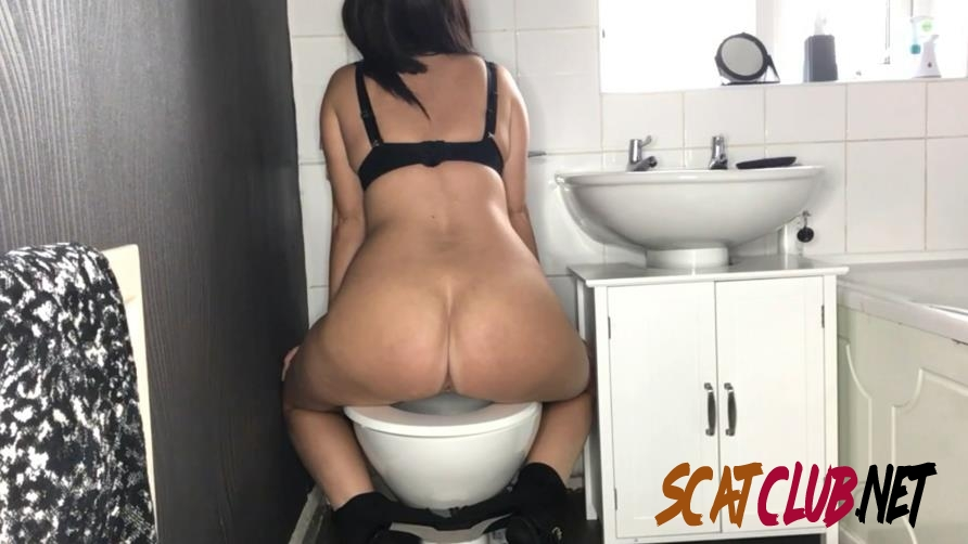 Special #1045 Toilet Amateur Shitting, Self Filmed [2020 | 328 MB] (1.1045_BFSpec-1045 | FullHD)